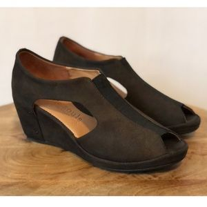 Gentle Souls By Kenneth Cole Wedges Size 5.5